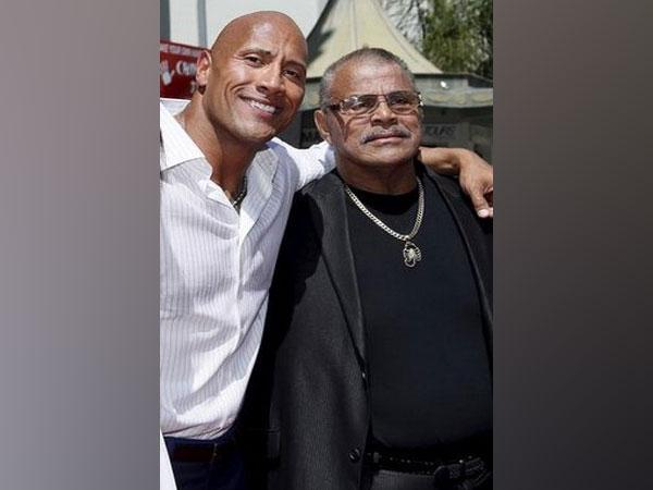 Dwayne Johnson with father Rocky Johnson