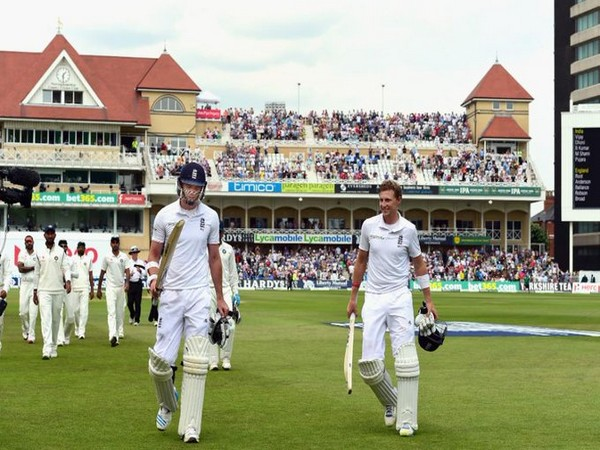James Anderson (L) and Joe Root (R). (Photo/ICC Twitter)