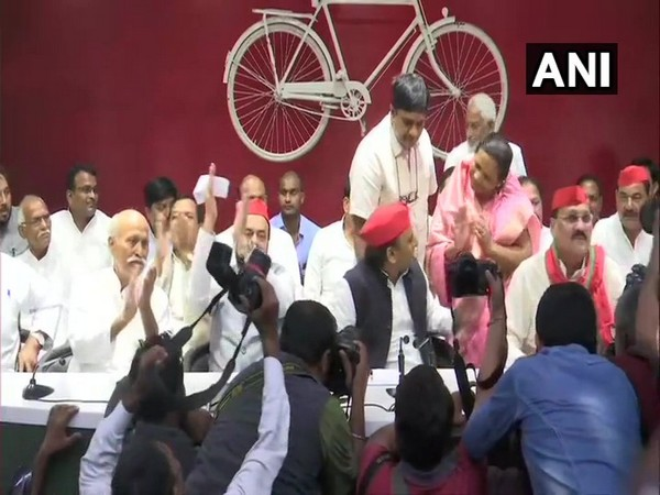 Samajwadi Party president Akhilesh Yadav along with other leaders in Lucknow on Sunday. Photo/ANI
