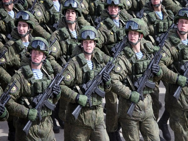 Russian troops participating in a military parade. (File photo)