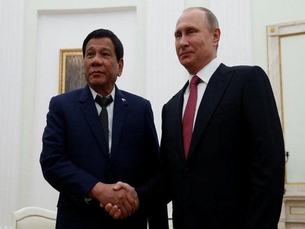 Philippines President Rodrigo Duterte and Russian President Vladimir Putin during a meeting in Russia in 2017 (Image source: Reuters)