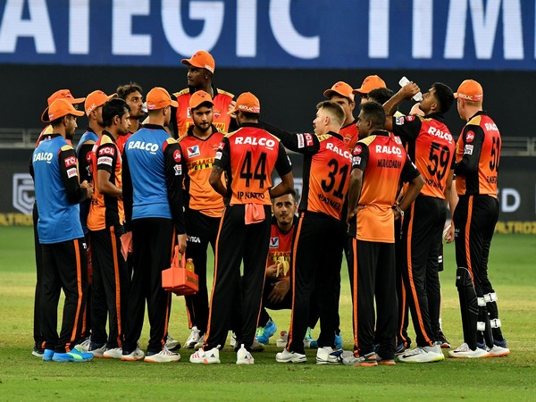SunRisers Hyderabad in action against Rajasthan Royals (Photo/ iplt20.com)