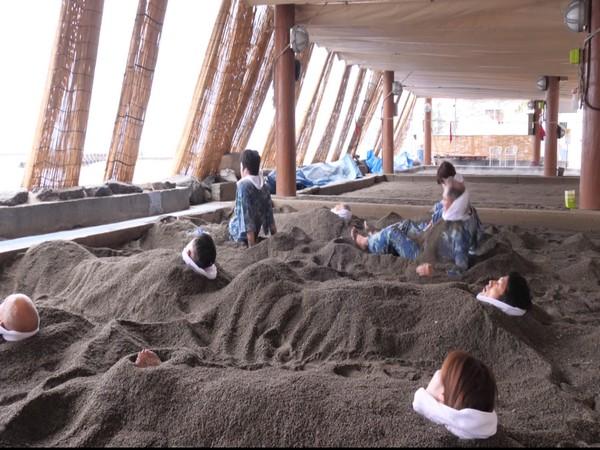 People enjoying hot sand bath in Japan (ANI)