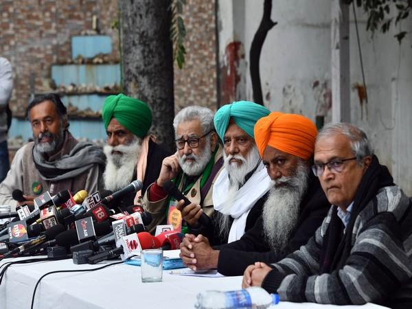Visual of Samyukt Kisan Morcha members addressing the media (file photo)
