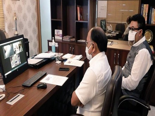 Sidharth Nath Singh interacted with former Deputy PM of Thailand Mark Dabbarasi through video conferencing (Photo taken from Twitter handle of Minister)