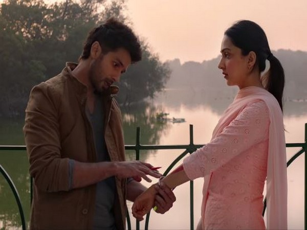 A still from the song from Kabir Singh