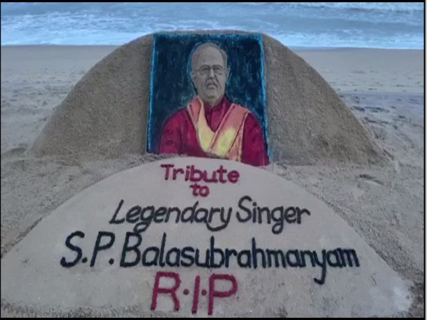 Sand artist Sudarsan pattnaik paid tribute to the legendary singer late SP Balasubrahmanyam. (Photo/ANI)