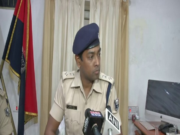 Superintendent of Police Jayant Kant talking to reporters on Monday. Photo/ANI