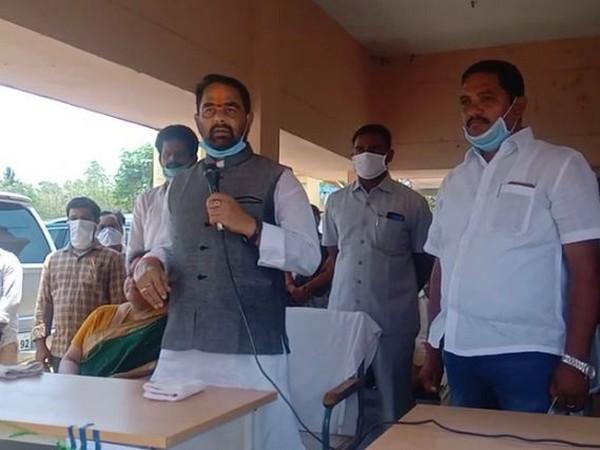 Andhra Pradesh Assembly Speaker Tammineni Sitaram attending an essential commodities distribution programme in Srikakulam district. Photo/ANI