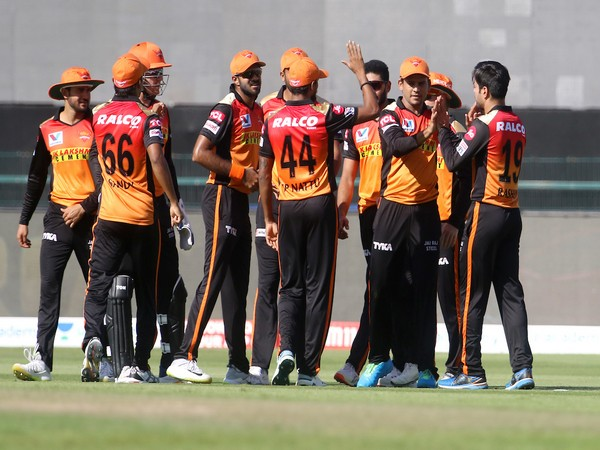 SunRisers Hyderabad players celebrating after taking a wicket (Photo/ IPL Twitter)