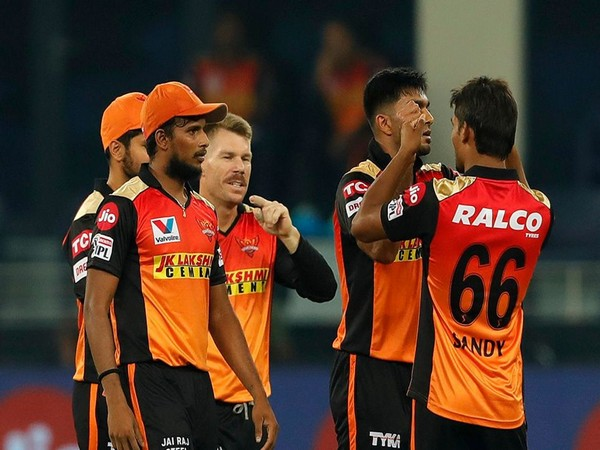 SRH players celebrating after taking a wicket against RR (Photo: BCCI/ IPL)