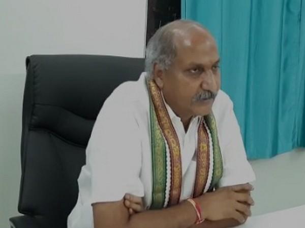 Srikalahasti temple executive officer Chandrasekhar Reddy