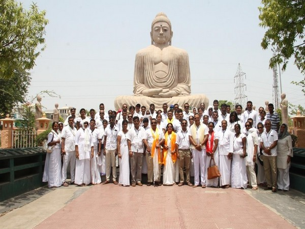 The Sri Lankan delegation at a religious place in Gaya. Photo/ANI