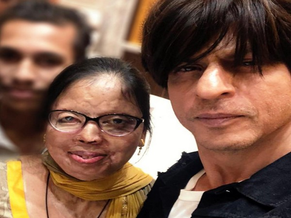 SRK with acid attack survivor Anupama