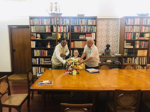 SR Patil and MC Venugopal meet Sonia Gandhi