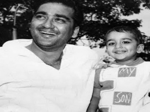 Actor Sanjay Dutt with his late father and legendary actor Sunil Dutt (Image source: Instagram)