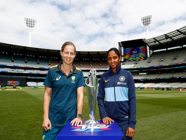 Australia skipper Meg Lanning (L) and India skipper Harmanpreet Kaur (R) (Photo/T20 World Cup Twitter)