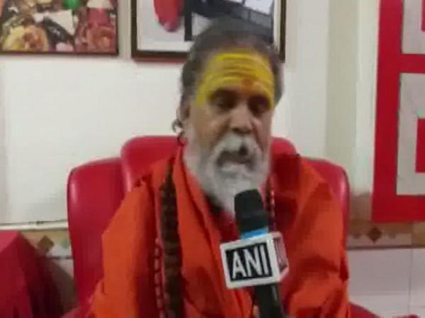Akhil Bharatiya Parishad president Mahant Narendra Giri while speaking to ANI in Prayagraj, Uttar Pradesh. Photo/ANI
