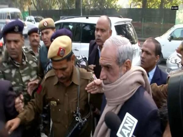 Former Congress leader and 1984 anti-sikh riots convict Sajjan Kumar (File Photo)