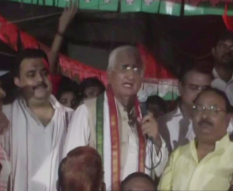 Senior Congress leader Salman Khurshid addressing a public gathering.