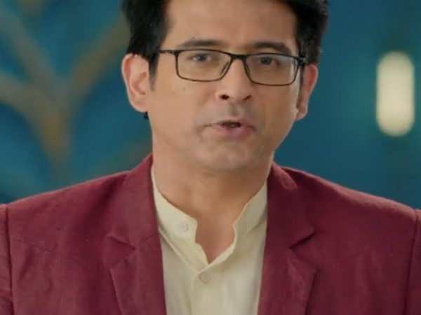 A still from the show 'Yeh Rishtey Hain Pyaar Ke' featuring late actor Sameer Sharma (Image Source: Disney+ Hotstar)