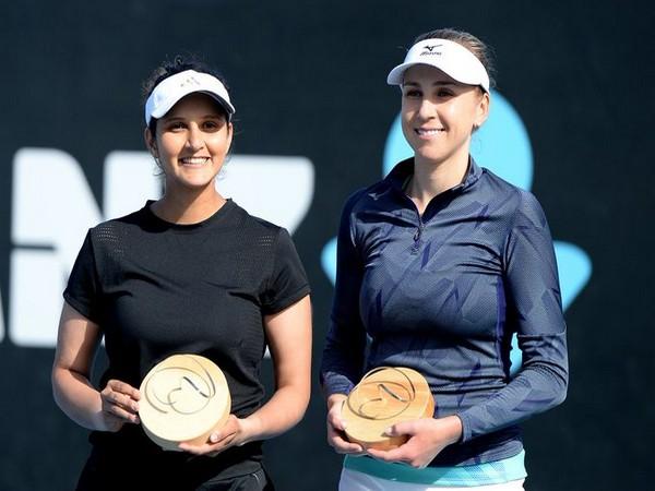 Sania Mirza (L) and Nadia Kichenok (R) (Photo/Saina Mirza Twitter)