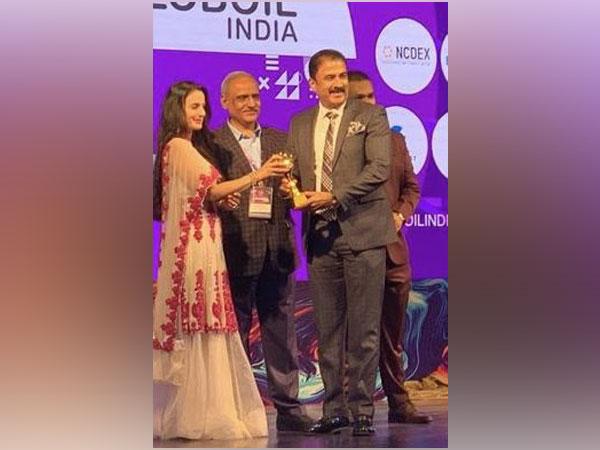 Sanjay Ghodawat receives 'Globoil Philanthropist of the Year 2021' Award