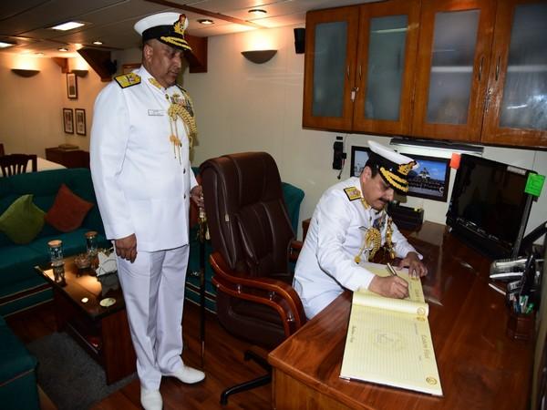 Rear Admiral Sanjay Vatsayan takes charge as Eastern Fleet Commander Photo/ANI
