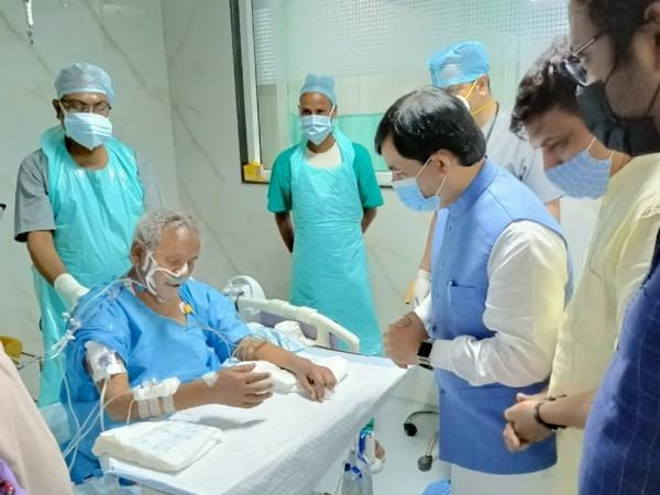BJP leader Shahnawaz Hussain visits former Uttar Pradesh Chief Minister Kalyan Singh at PGI Hospital in Lucknow. (Photo/ANI)