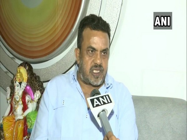 Congress leader Sanjay Nirupam speaking to ANI in Mumbai.(  Photo/ANI)