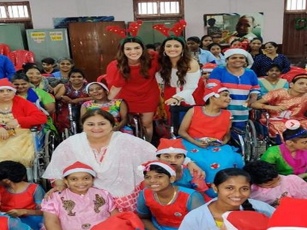 Actor Kriti Sanon and her family celebrating Christmas with specially-abled children (Image Source: Instagram)
