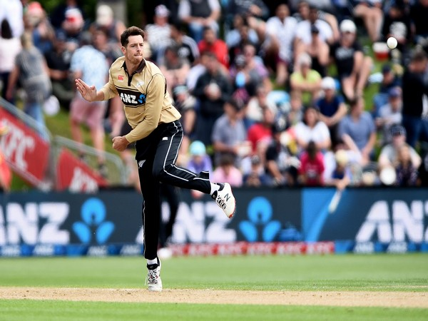 New Zealand all-rounder Mitchell Santner (Photo/ ICC Twitter)