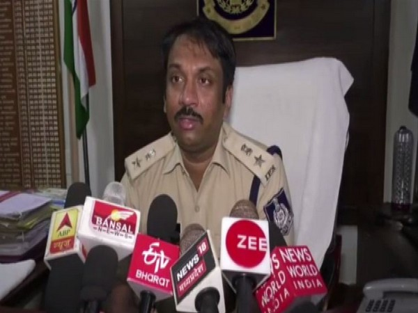 Superintendent of Police (SP) Riyaz Iqbal speaking to reporters in Satna. Photo/ANI