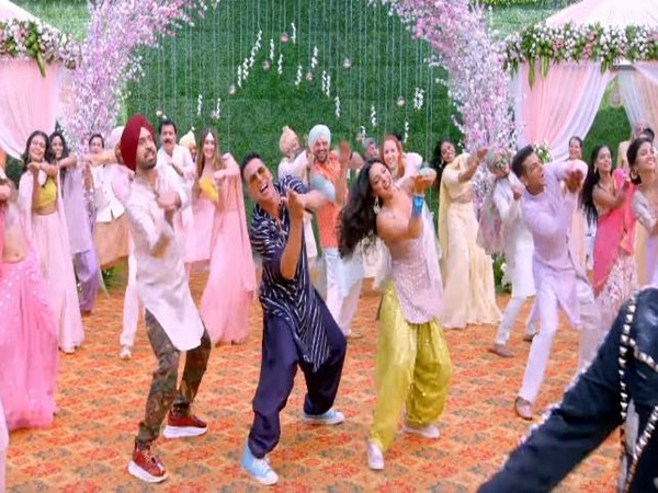 A stll from the song. (Image Courtesy: Youtube)