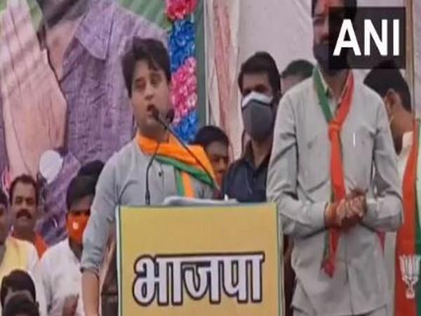 BJP leader Jyotiraditya Scindia addressing a rally in Madhya Pradesh on Saturday. Photo/ANI