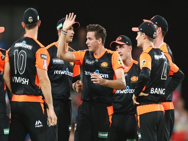 Perth Scorchers team (Image: BBL's Twitter)