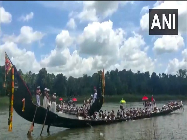 Kerala's boat race held only with 3 sanke-boats due to the state's COVID-19 condition. (Photo/ANI)