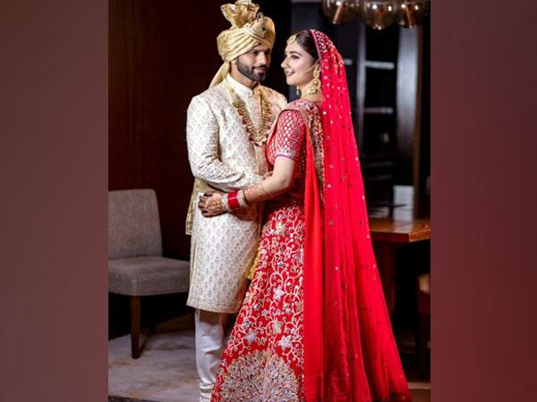 Rahul Vaidya and Disha Parmar (Image source: Abu Jani Sandeep Khosla's Instagram account)