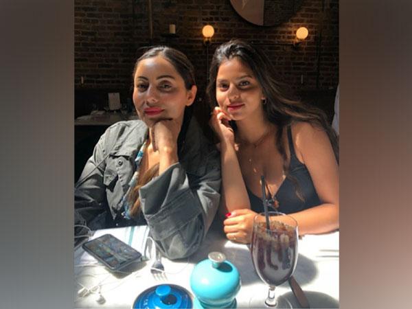 Suhana Khan with her mom Gauri Khan (Image source: Instagram)