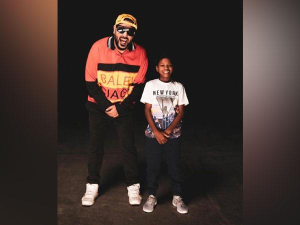 Badshah with 'Bachpan ka pyar' viral boy (Image source: Instagram)