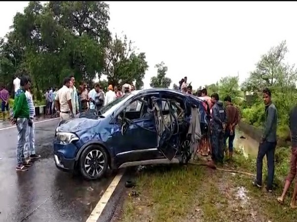 Visuals from the site of accident on Bhopal-Indore road