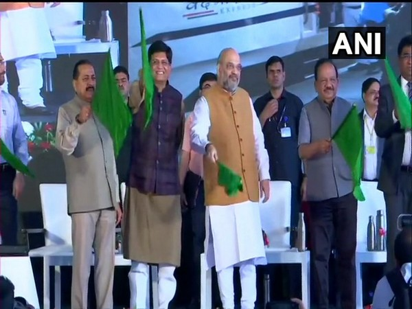 Union Minister Amit Shah flagging off the Vande Bharat Express with other Union ministers in New Delhi on Thursday. Photo/ANI