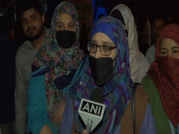Shaheen Kausar, one of the protesters at Shaheen Bagh, Delhi talking to ANI on Wednesday. Photo/ANI