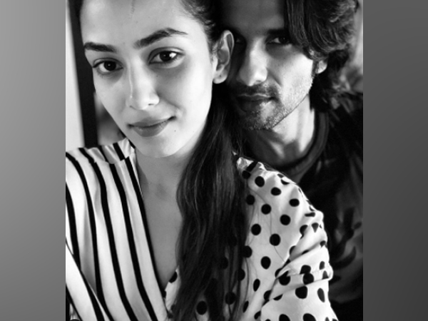 Actor Shahid Kapoor with wife Mira Kapoor (Image Source: Instagram)