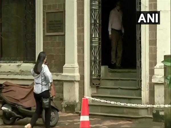 Shruti Modi arrives at ED office in Mumbai on Tuesday. Photo/ANI