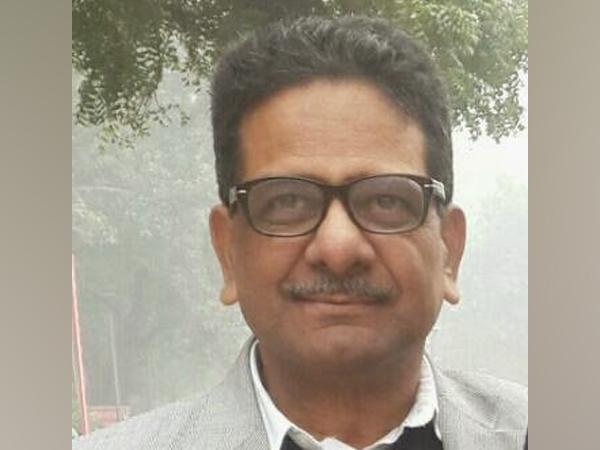 Veteran journalist Shesh Narain Singh