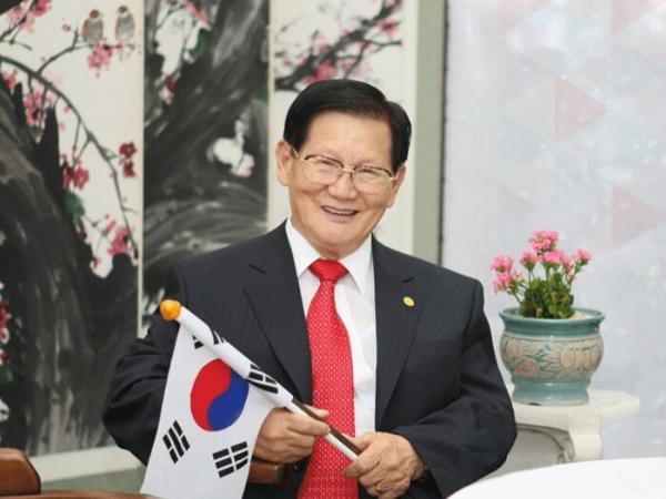 Chairman Lee Man-hee