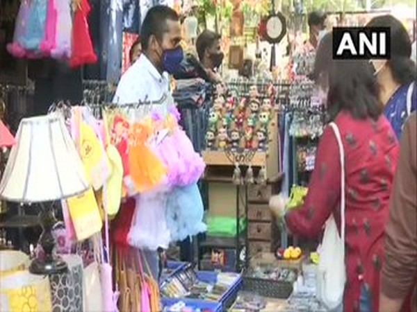 Shoppers at Sarojini Nagar market (Photo/ANI)