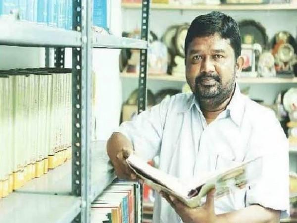 Poet-activist Dr Siddalingaiah (Image courtesy:  @drashwathcn)