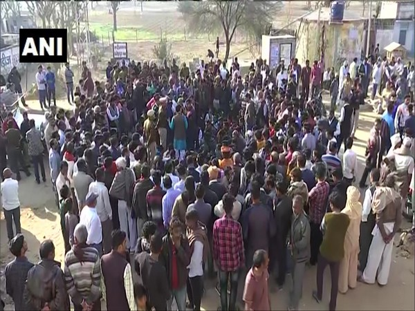 Locals and family of deceased Police Head Constable Ratan Lal in Sikar on Wednesday. Photo/ANI